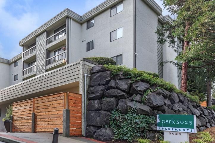 Park 3025 Apartments